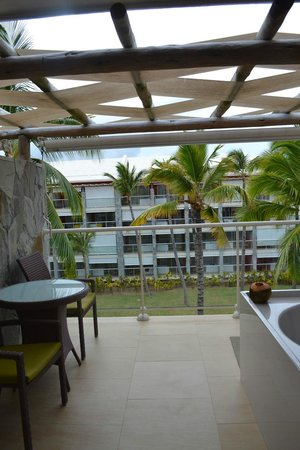 Barcelo Bavaro Palace: jacuzzi on every balcony