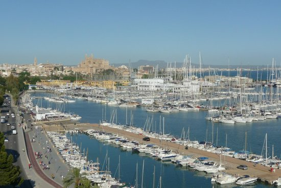 TRYP Palma Bellver Hotel: From balcony Room 9/7 to the Cathedral