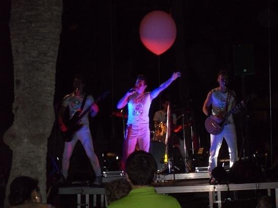 IBEROSTAR Ciudad Blanca: rock night