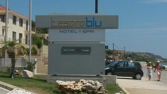 TUI Sensimar Tesoroblu Hotel & Spa: Tesoro blu entrance