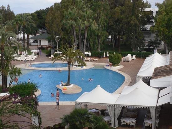 IBEROSTAR Ciudad Blanca: main pool