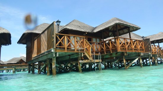 Fihalhohi Island Resort : The water bungalows