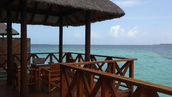 Fihalhohi Island Resort : The view from the water bungalows
