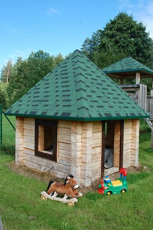 Milzkalne Guest House: children playground