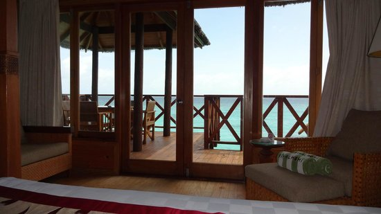 Fihalhohi Island Resort: The view from the water bungalows