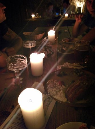 Tavern U Krale Brabantskeho: Mostly candle illumination