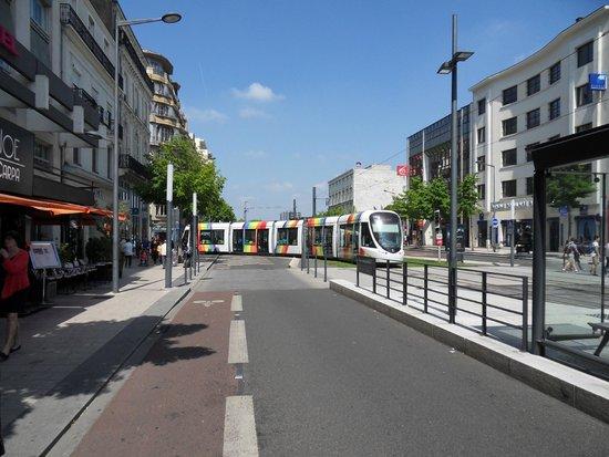 Mercure Angers Centre Gare : Street scene