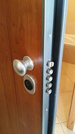 Cerro Mar Atlantico Touristic Apartments: Very secure
