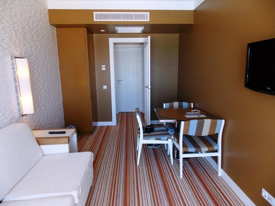 Real Marina Hotel & Spa: Sitting room (or spare bedroom)