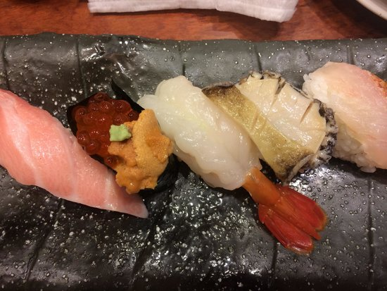 Mori Mori Sushi Kanazawa Ekimae: 豪華五点盛り