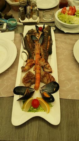 Mediterraneo Restaurant : fish plate(for 2 person)