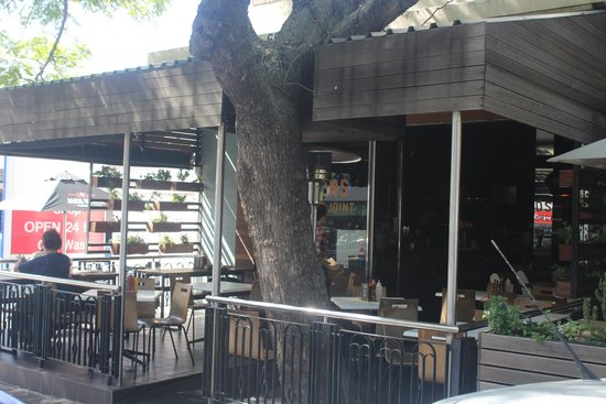 Hudsons, The Burger Joint (Gardens): Vista da fachada