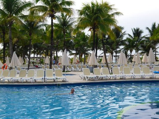 Hotel Riu Yucatan : piscine