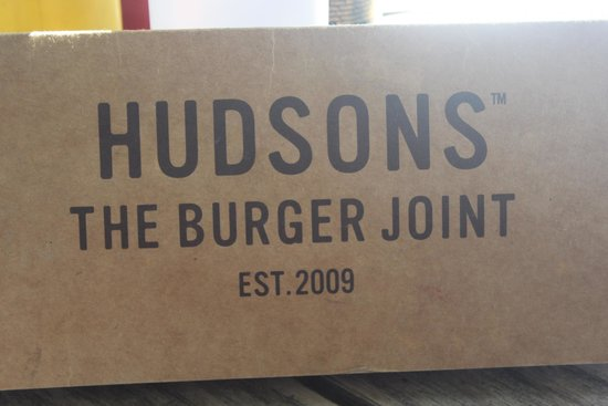 Hudsons, The Burger Joint (Gardens): Placa indicativa
