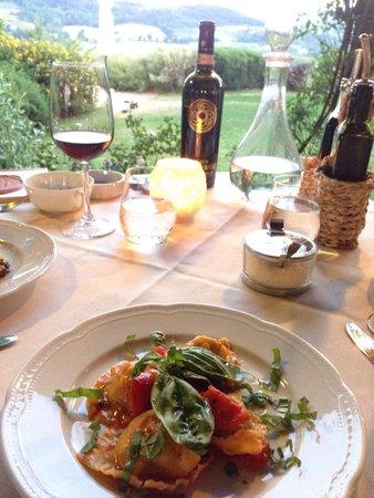 Relais Poggio Borgoni: Dinner at restaurant