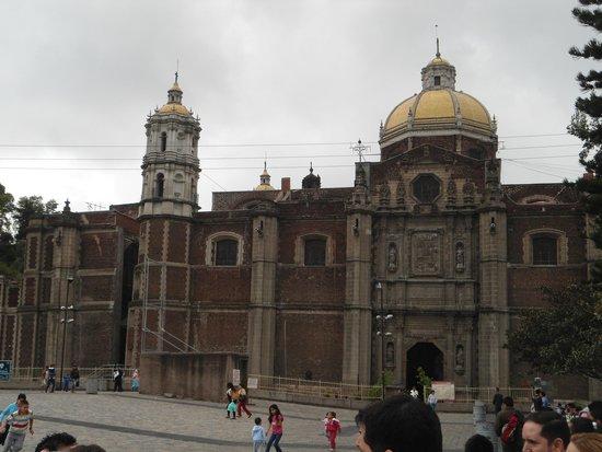 Basilica Lady of Guadalupe and Teotihuacan: Basilica de Guadalupe- Internamente