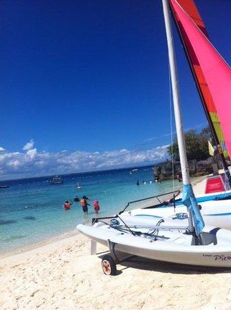 Shangri-La's Mactan Resort & Spa: Life's a beach