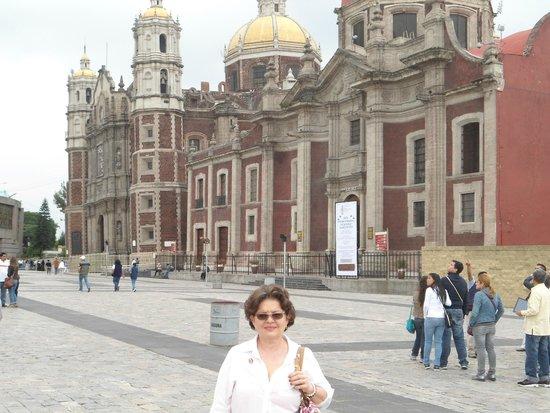 Basilica Lady of Guadalupe and Teotihuacan: Basilica de Guadalupe-Interior