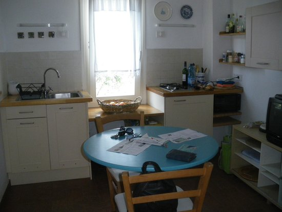 Zia Mari: kitchen