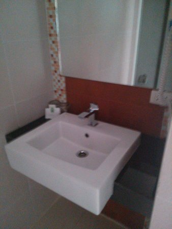 Chanalai Hillside Resort : Sink