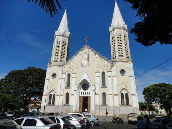 Igreja Sao Pedro Apostolo De Tupa