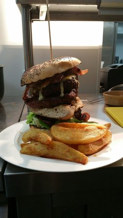 Clay Pigeon: The New York Challenger burger