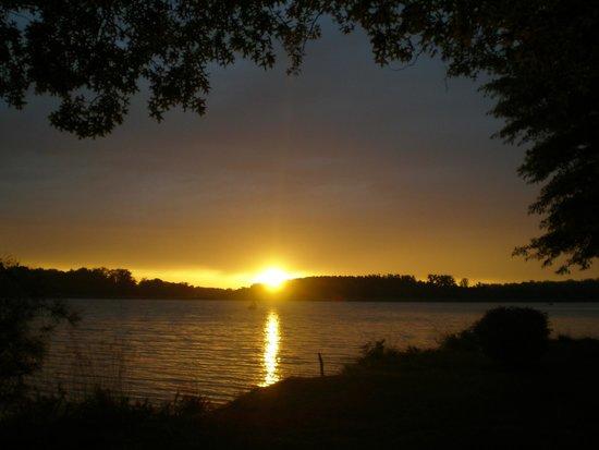 Camping les Rives du Lac: Coucher de soleil