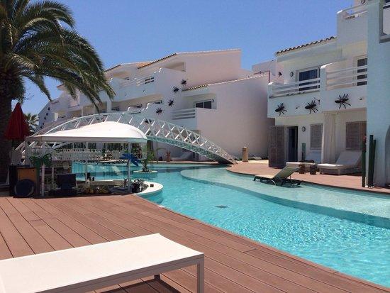 Ushuaia Ibiza Beach Hotel: Swim up area. Nice quiet area