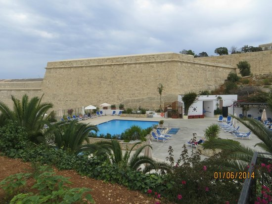 Hotel Phoenicia: piscina