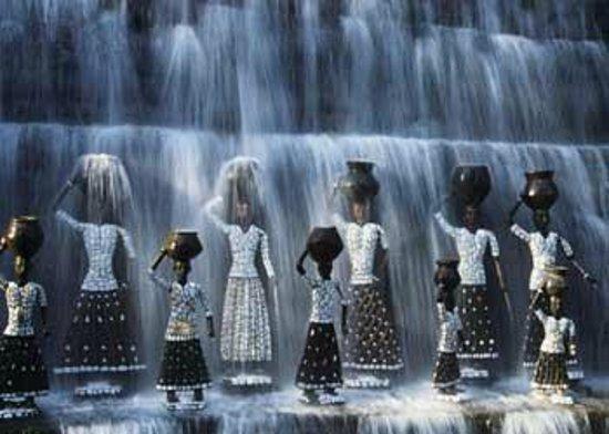 The Rock Garden Of Chandigarh: Sculptures In The Waterfall