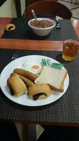 Catalonia Oro Negro : breakfast. Chocolate pastries