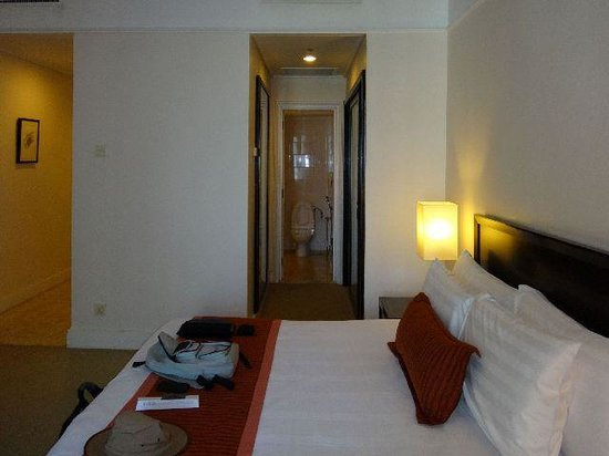 PNB Perdana On The Park : Bedroom and bathroom