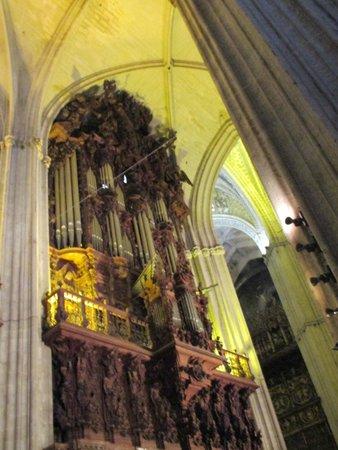 Cathédrale Notre-Dame du Siège de Séville : ORGANO