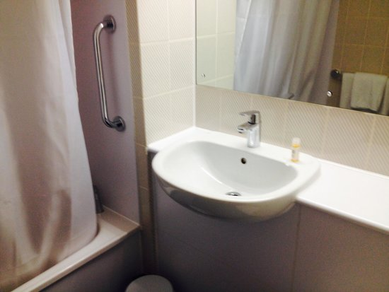 Travelodge Ludlow Woofferton Hotel: Toilet