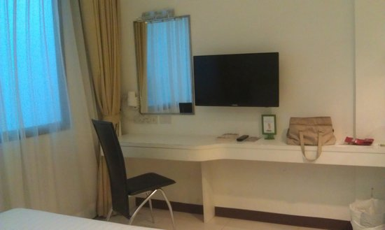 Armoni Hotel Sukhumvit 11 by Andacura: Ample space for a solo traveller