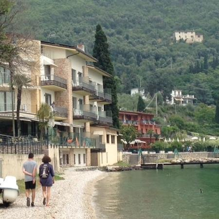 Hotel Val di Sogno: view of hotel from the lake