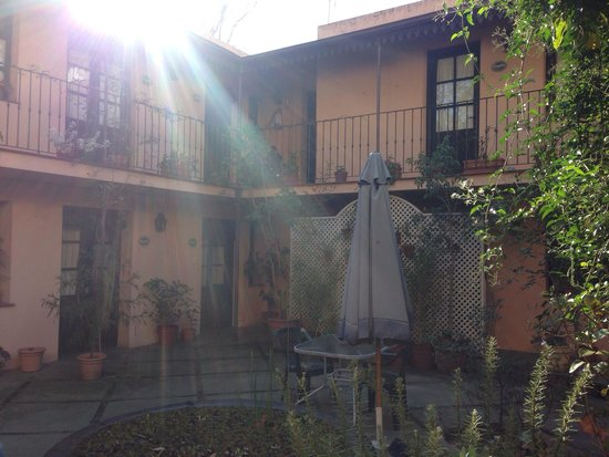 Posada de la Flor: Charming courtyard