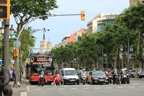 Paseo de Gracia (Passeig de Gracia): Пассео де Грасиа