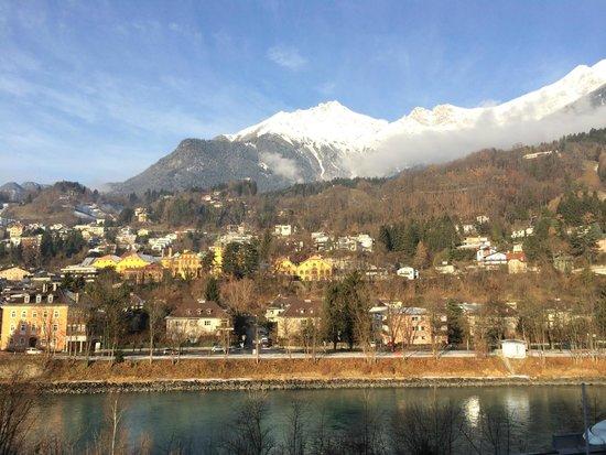 Austria Trend Hotel Congress Innsbruck: 從窗外看出的景色。