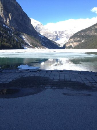 Fairmont Chateau Lake Louise: UPGRADE TO A ROOM WITH A VIEW A MUST