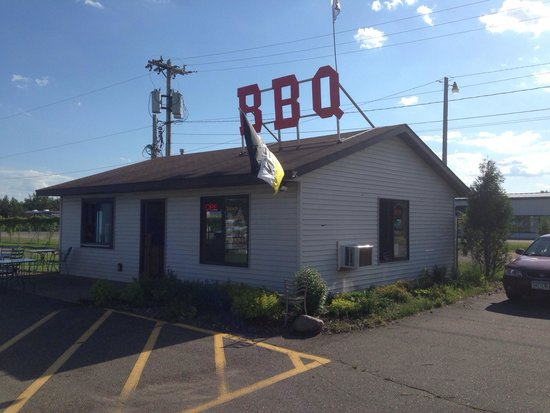 Jr's No.19 BBQ II + Tacos: Don't miss them! They are in the water park parking lot!