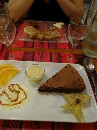 Le Bistrot d'a Côté : Moelleux au chocolat et dessert aux pommes