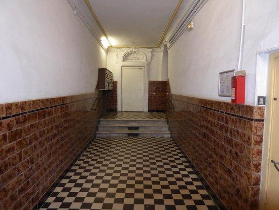 Hotel Cresp : L'entrata del palazzo