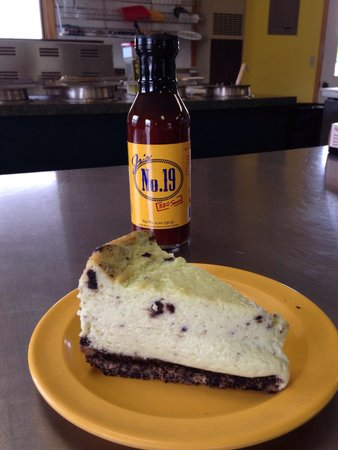 Jr's No.19 BBQ II + Tacos: 2nd best cheese cake in the state!