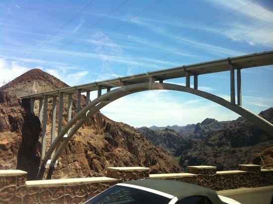 Pink Jeep Tours Las Vegas : Hoover dam sights