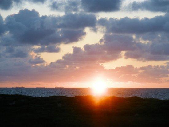 Island Retreat張圖片