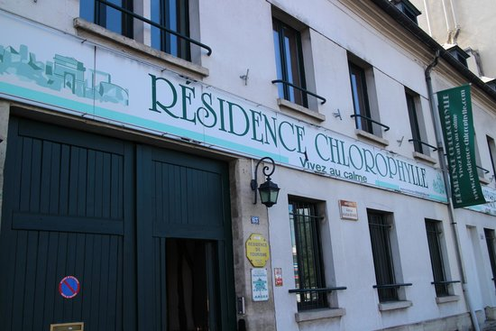 Résidence Chlorophylle : From the street