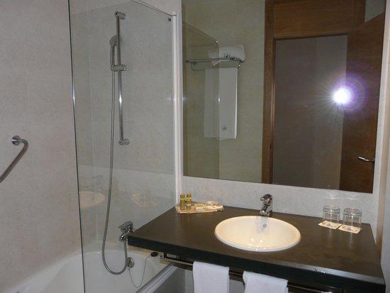 Eurostars Lucentum: Badezimmer, Zimmer 1003