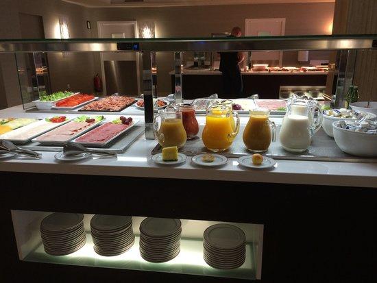 Hotel Torre del Mar : Breakfast!