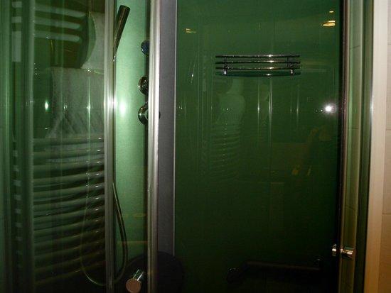Balneo Hotel Zsori Thermal & Wellness: Shower-bath